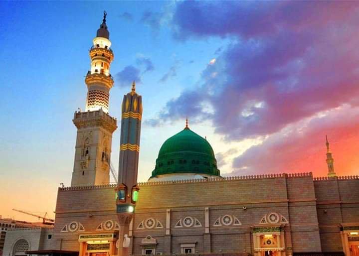 300 Dreams of Prophet Muhammad (PBUH) and His Description